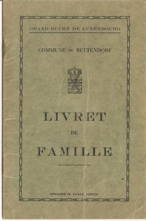 MRIN04646 1952-06-02 Marcel Meder and Maisy Kremer family book 1