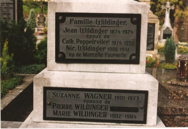 MRIN01117 Wildinger grave closeup