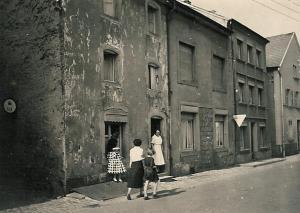 1957 002